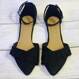 BAMBOO Suede Side Ruffle Flat Sandal~Size 6 1/2